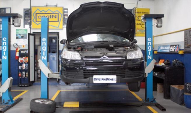 Família Citroën C4 ainda sofre com falta de peças e informações de reparação