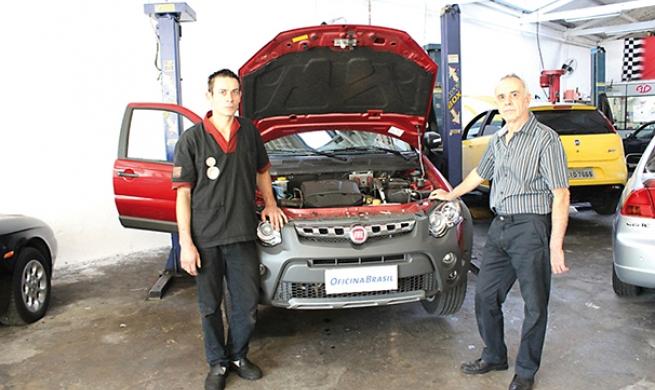 Fiat Strada Adventure mostra ao reparador que sua terceira porta é só um mero detalhe