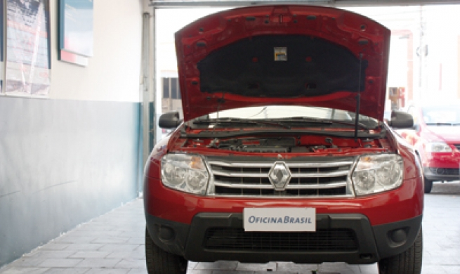Renault Duster possui motor conhecido do reparador e conjunto de suspensão reforçado