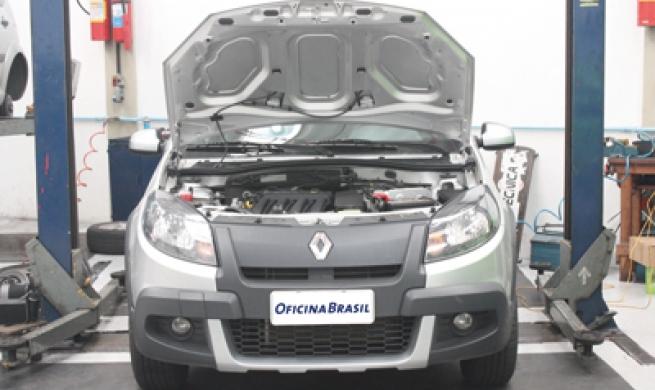 Avaliação do Nissan March e Sandero Stepway: Saiba a opinião dos reparadores