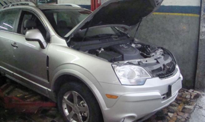 Chevrolet Captiva Sport é robusto, apesar do pouco espaço para trabalhar