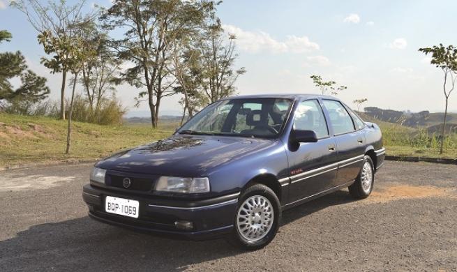 Há 26 anos o Chevrolet Vectra de primeira geração moderniza o segmento dos modelos médios aqui no Brasil