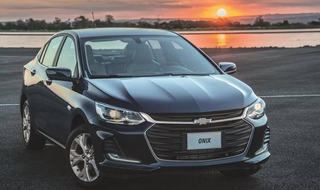 Carro mais vendido do país, Onix chega em sua nova geração com motores 1.0 de 3 cilindros turbo e aspirado