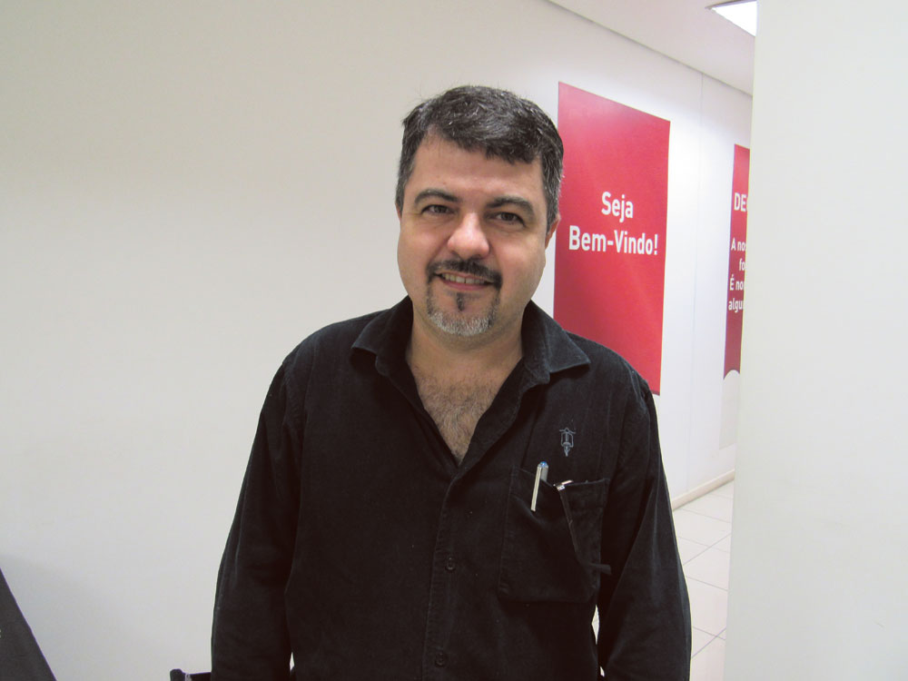 """Reparador Lucio Julio Barbosa Guimarães: """"a disponibilidade do catálogo de peças on-line é fundamental"""""""