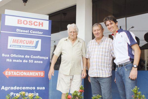 Entre avô e neto, Carlos Roberto Barriviera, genro de Luiz Mercuri