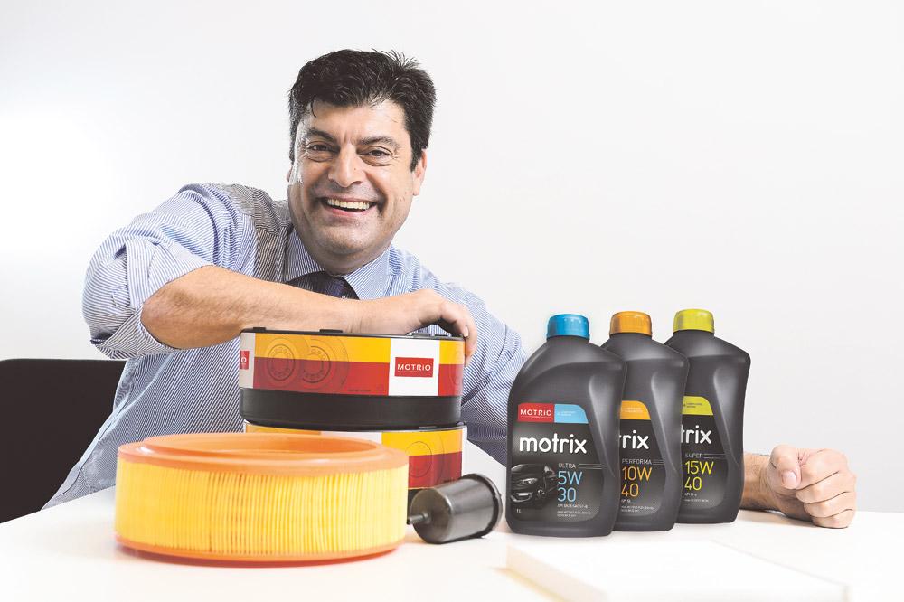 Após a passagem por diversos departamentos na área comercial no pós-venda da montadora, Marco Barreiros chegou ao Brasil em julho de 2015 para assumir a Direção Cliente, Qualidade e Serviço no país