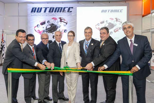 Representantes das maiores entidades em cerimônia de abertura da 12ª edição da Automec