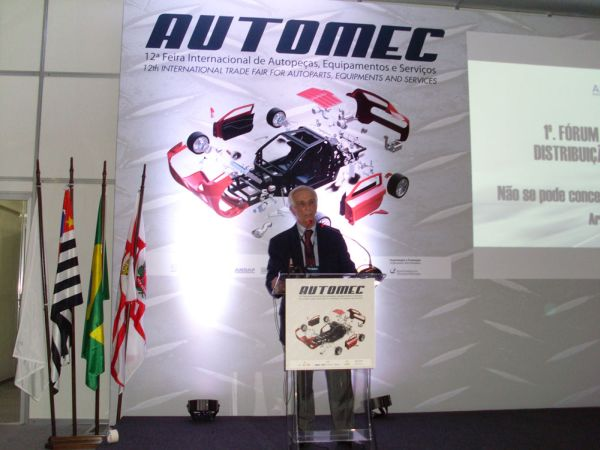 """""""É uma oportunidade de incrementar o mercado de reparação automotiva e mostrar que, mesmo num momento de crise, temos meios e ferramentas para mudar essa realidade e mostrar que somos um mercado em expansão"""" Renato Gianinni, presidente da Andap/Sicap"""