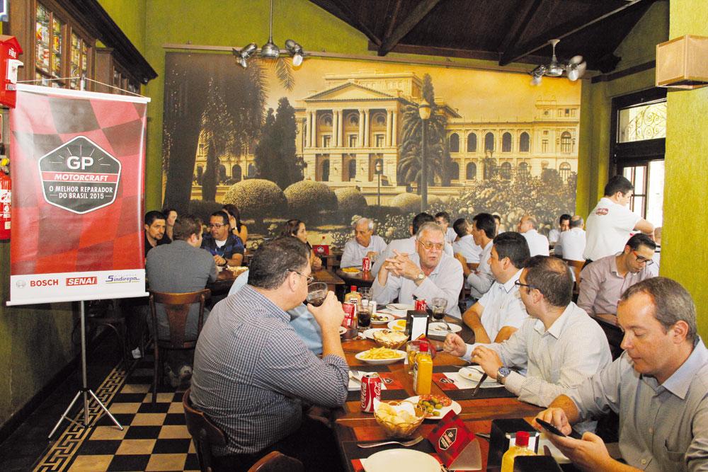 Almoço dos participantes no Bar do Nico