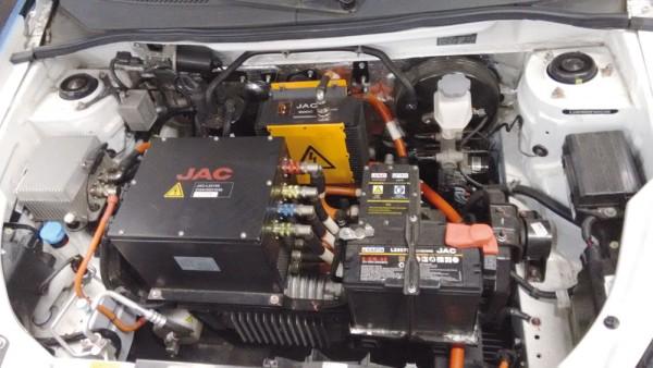 Vista dos principais componentes do sistema de tracionamento elétrico