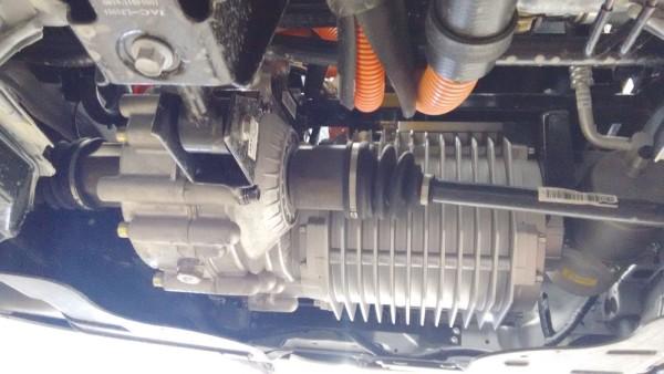 Motor, caixa de redução e semieixos