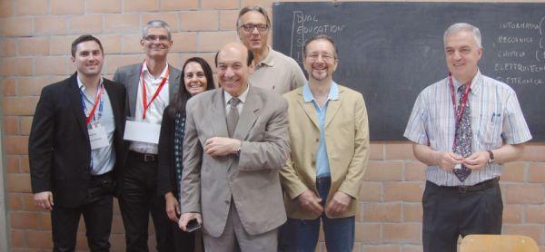 Diretor Geral, comitiva parcial, instrutores Lamborghini e Ducati e o professor CosimoVerardo (à direita)