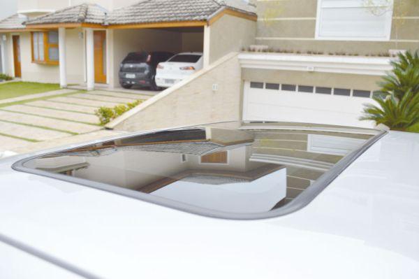 O teto solar com persiana interna era um item obrigatório em todos os Escort XR3