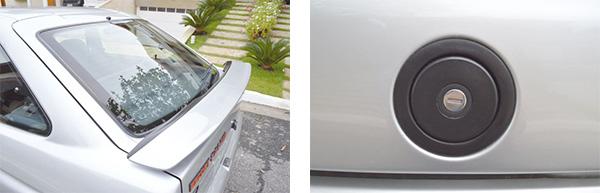 O Aerofólio ganhou novo desenho e na segunda geração do XR3 ele passou a ser pintado na mesma cor da carroceria / A tampa de combustível ficava exposta e não fazia menção do tipo de combustível utilizado
