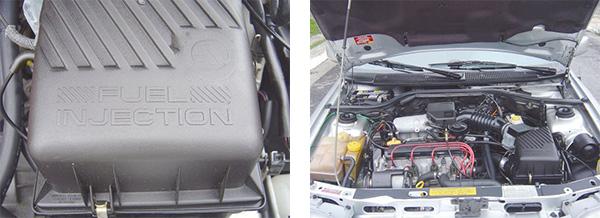 Na tampa do filtro de ar a menção da injeção de combustível e acima o logotipo da extinta Autolatina / Estrela da família era o motor AP 2000i de 115 cv, com esse trem de força o XR3 passou a ser um dos carros mais velozes do país