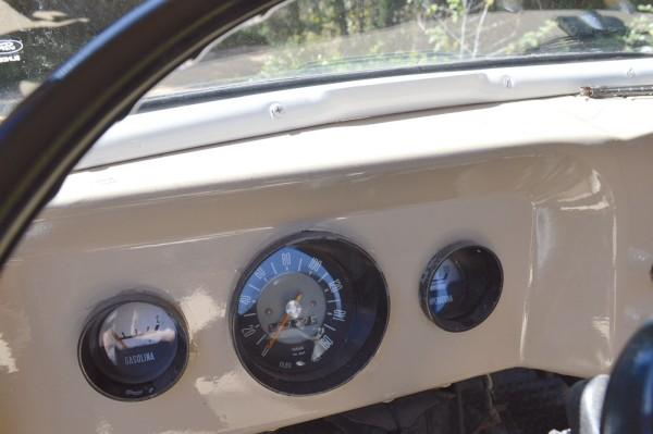 Simplicidade também nos instrumentos, comum nos carros dos anos 60