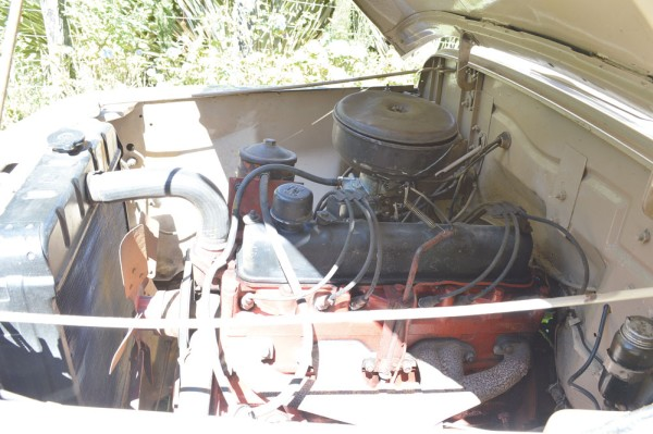 Motor de 6 cilindros Willys BF 161 não primava pela potência, mas ótimo torque mais adequado à picape