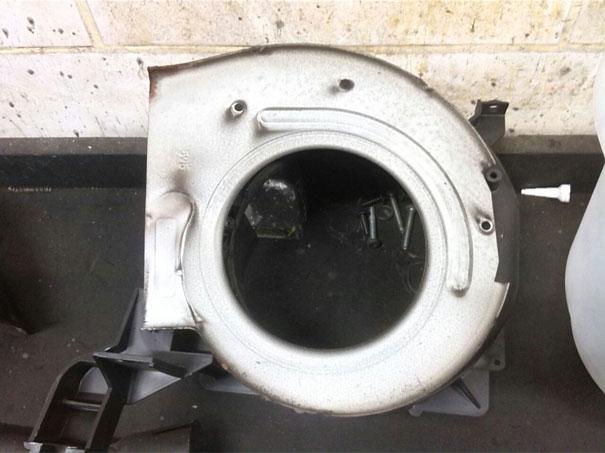 Volvo - Caixa evaporadora desmontada parte do motor da ventilação interna