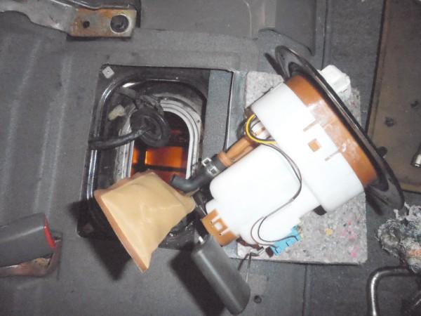 Conjunto da bomba de combustível fora do tanque