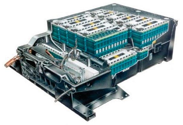 Conjunto de baterias da GM S10 1998 elétrica • 26 baterias de alta tecnologia • Peso do conjunto de baterias: 547 kg • Autonomia máxima: 112 km • Tempo de recarga: 5-6 horas