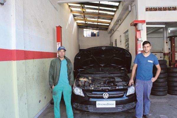 Ricardo Oliveira Santos Figueiredo com 28 anos (Esq.) e Bruno Daniel Moía da Silva, 23 anos de idade, sucessor da empresa Stop situada na Av. Barão de Mauá, 3675 Mauá – SP fundada em meados de 1987