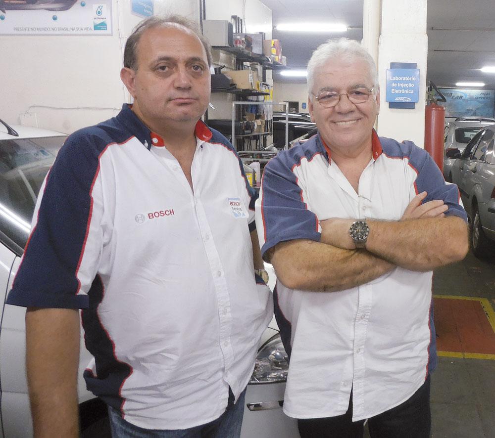 Ivan Vasconcelos (Gerente) e  Giacomo V.Biondo (proprietário da oficina)