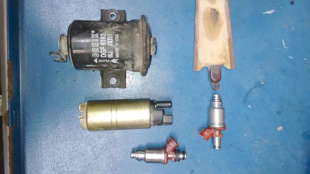 Figura 19- Sistema de alimentação de combustível.  Itens trocados