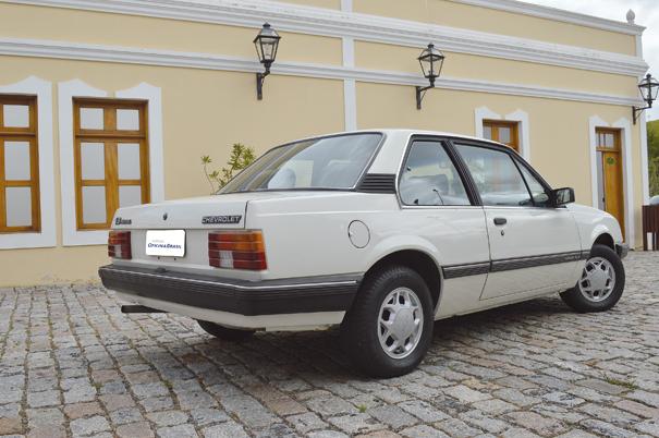 O perfil harmonioso do Monza sedã acabou por se tornar o modelo cobiçado pela classe média durante os anos 80