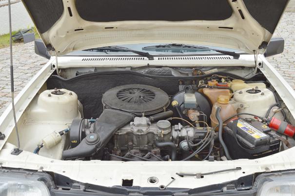 Entre as primazias do motor Família II está cabeçote confeccionado em alumínio, distribuidor acionado pelo comando de válvulas, embreagem de fácil remoção: boas soluções técnicas