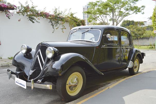 O pioneiro Citroën Traction Avant trazia inúmeras inovações tecnológicas, como a carroceria monobloco e a suspensão independente nas rodas dianteiras