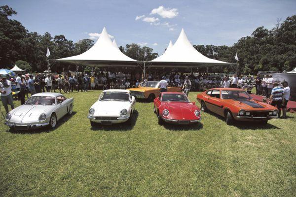 Mais de 130 modelos do passado estiveram reunidos no 1º Clássicos Brasil, no Clube Hípico de Santo Amaro, na capital paulista