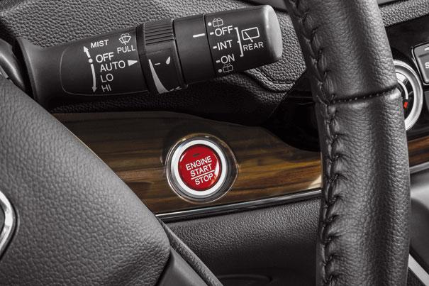 Botão Start-stop para ligar e desligar o veículo
