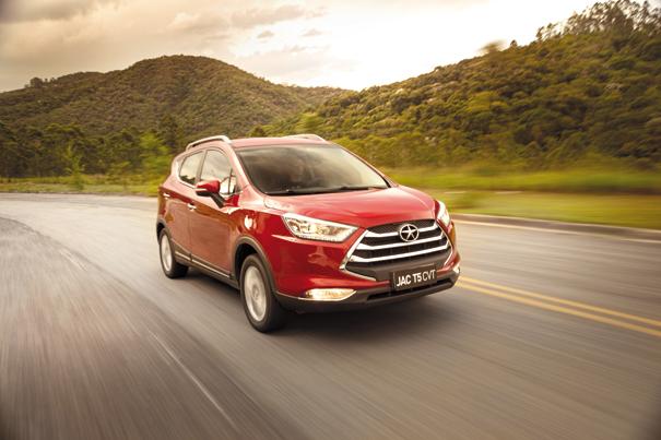 Com a mesma motorização do T5 manual, a nova transmissão vai agradar a alguns consumidores pelo baixo consumo e desagradar outros pelo desempenho