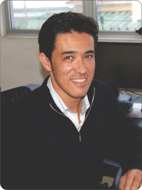 Eduardo Oliveira, proprietário do Centro Automotivo Nipo Brasileiro