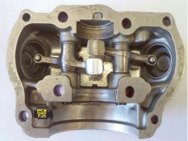 Tampa do cabeçote, parte do mancal do eixo de comando e suporte de balancins - motocicleta Honda CBX 200