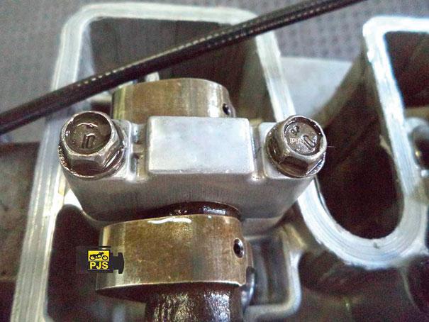 Suporte (mancal) do comando de válvulas - Motocicleta Honda CBX 250 Twister