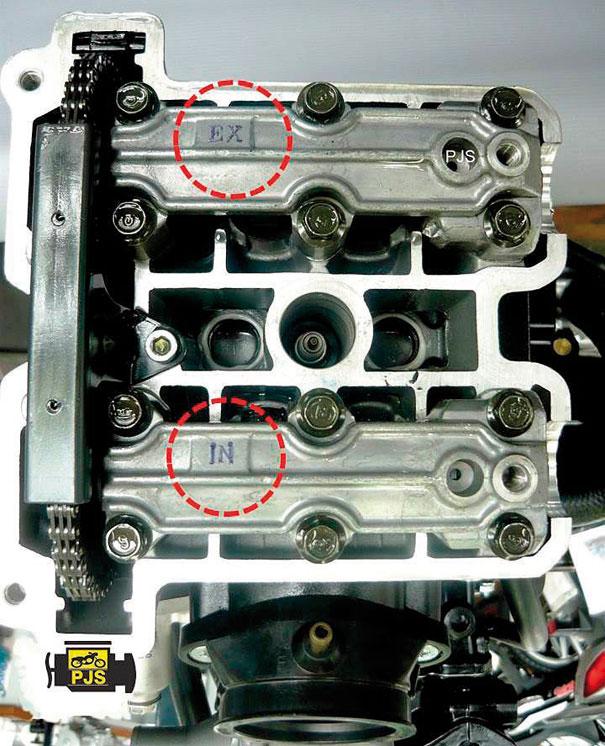 """Posição dos mancais de comandos da admissão """"IN"""" e escapamento """"EX"""" - motocicleta: Kasinski Mirage 650"""
