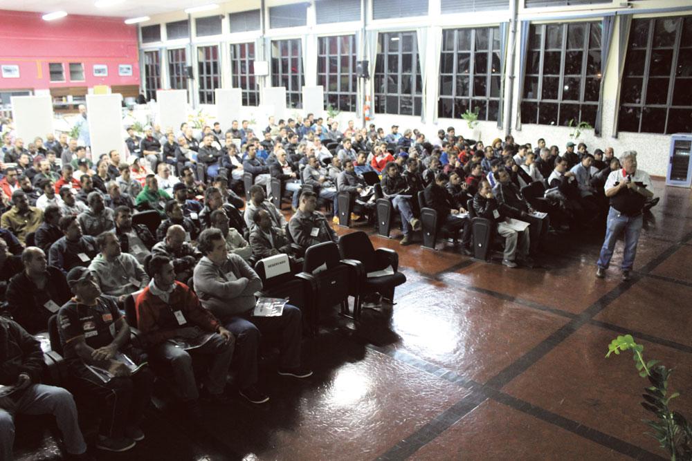 Palestra da Mobil para mais de 300 pessoas no Senai Ipiranga, em São Paulo