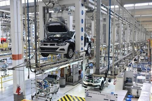 A montadora reforça que o investimento contempla o desenvolvimento de diversas tecnologias para o país