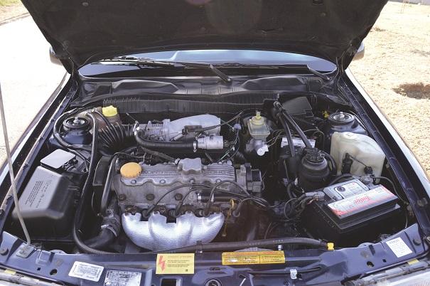 O conhecido motor 2,0 litros Família II, conciliava bom desempenho e economia de combustível, potência de 116 cv e torque de 17,3 m.kgf, consumo médio de 11,5 km/l