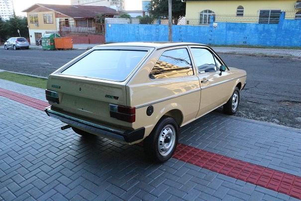 A traseira truncada era tendência nos anos 70, além de melhorar a aerodinâmica oferecia boa visibilidade traseira
