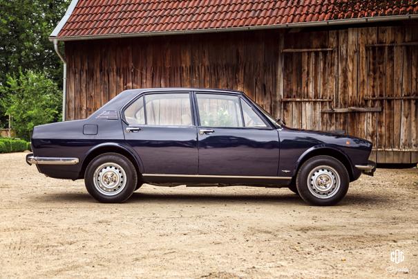 Qualquer semelhança não é mera coincidência, nossa Alfa 2300 foi inspirada na irmã italiana para compor seu visual