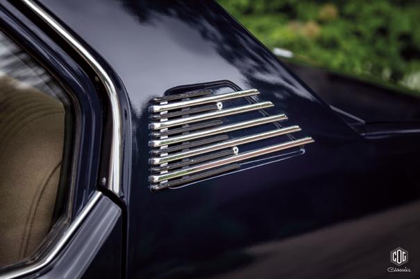 A saídas de ar nas colunas C eram outro recurso estético próprio da Alfetta, eles foram suprimidas no último ano de produção