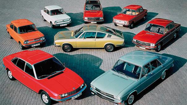 A linha Audi/NSU para 1972, após três anos da compra pelo grupo VW: o Ro 80, em primeiro plano à esquerda, aparece mais moderno que o Audi 100 da época, à direita