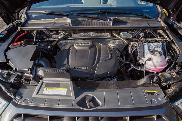 Motor 2.0 TFSI de 252 cv é acoplado ao câmbio S-Tronic de 7 marchas