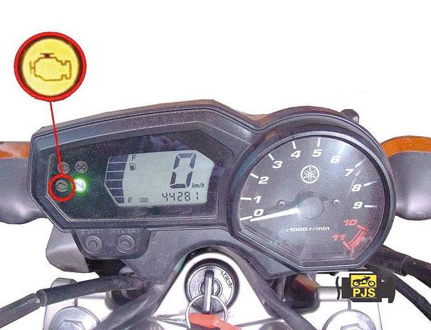 """Fig.2 - Luz """"FI"""" alerta de defeitos na injeção eletrônica, Fazer versão antiga (gasolina)"""