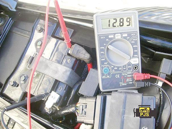 Fig. 3 - Diagnóstico de tensão (V) da bateria – motocicleta Lander 250
