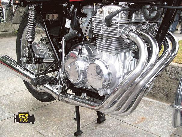 Fig.1- Conjunto de escapamento, motocicleta CB 400 Four