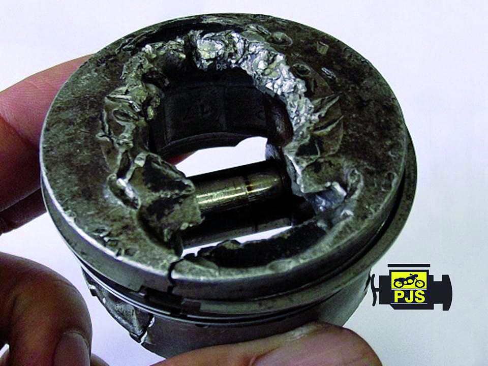 Fig.1- Pistão que colidiu com uma válvula