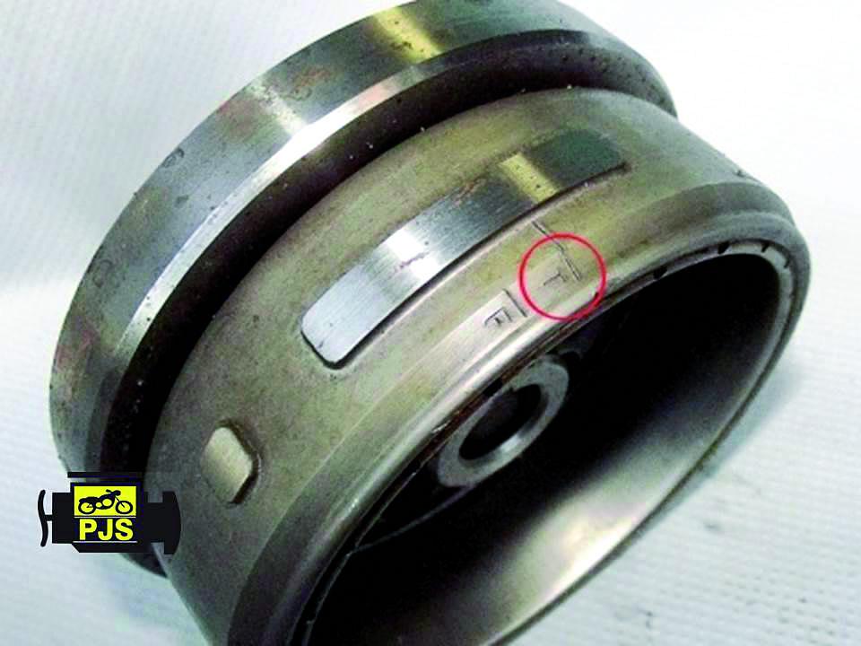 "Fig.2 -Volante magnético, referência ""T"" – motocicleta Titan 150cc"